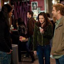 Taylor Lautner, Kristen Stewart e Michael Welch al cinema nel film Twilight: New Moon