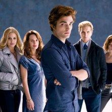 Una foto promozionale della famiglia Cullen, protagonista del film Twilight (2008)