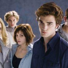 Una foto promozionale della vampiresca famiglia Cullen, protagonista del film Twilight