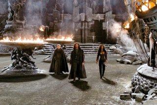 Carl (David Wenham), Abraham V. H. (Hugh Jackman) e Anna (Kate Beckinsale) in una scena del film Van Helsing