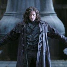 Hugh Jackman si prepara a combattere le diaboliche creature della notte nel film Van Helsing