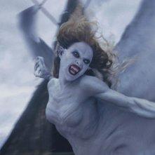 Marishka (Josie Maran) terrorizza gli abitanti del villaggio del film Van Helsing