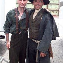 Una foto di Michael Fassbender e Sean Boyd sul set del film Jonah Hex