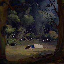 Biancaneve spaventata in una scena del film d\'animazione Biancaneve e i sette nani ( 1937 )