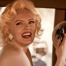 Primo piano dell'attrice Suzie Kennedy in una scena del film Io e Marilyn