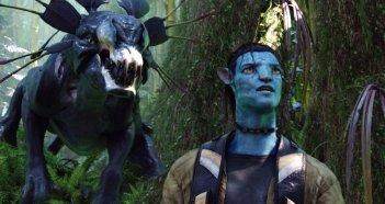Il Thanador si avvicina alle spalle dell'Avatar di Jake Sully in una scena del film Avatar