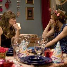Jennifer Garner ed Emma Roberts in una scena del film Valentine's Day