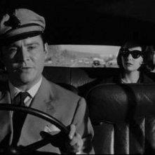 Ronald Lewis e Susan Strasberg in una scena del film La casa del terrore ( 1961 )