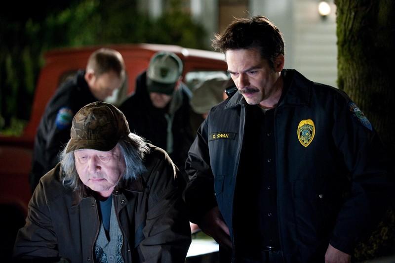 Harry Clearwater Graham Greene E Charlie Billy Burke Cercano Bella Nel Film The Twilight Saga New Moon 141182