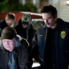Harry Clearwater (Graham Greene) e Charlie (Billy Burke) cercano Bella nel film The Twilight Saga: New Moon