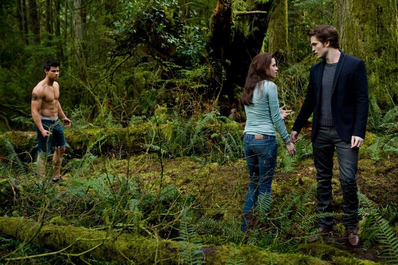 Il Trio Protagonista Taylor Lautner Kristen Stewart E Robert Pattinson In Un Momento Del Film Twilight New Moon 141181