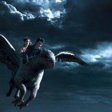 Emma Watson e Daniel Radcliffe cavalcano Fierobecco in una scena di Harry Potter e il prigioniero di Azkaban