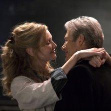 Richard Gere e Joan Allen in una sequenza del film Hachiko