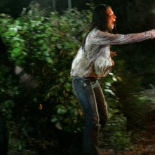 Joel David Moore e Tamara Feldman in una scena di Hatchet