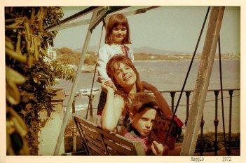Micaela Ramazzotti e i piccoli Giacomo Bibbiani e Aurora Frasca in una scena de La prima cosa bella