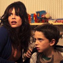 Micaela Ramazzotti e il piccolo Giacomo Bibbiani in una scena del film La prima cosa bella