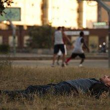 Valerio Mastandrea in una scena del film La prima cosa bella