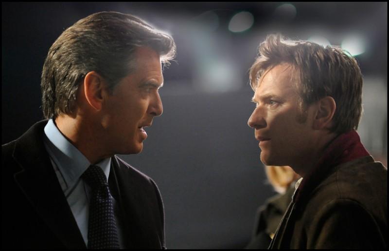 Ewan McGregor e Pierce Brosnan nel film Uomo nell'ombra (The Ghost Writer) di Roman Polanski.