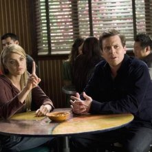 Scrubs: Eliza Coupe e Michael Mosley nell'episodio Our Mysteries
