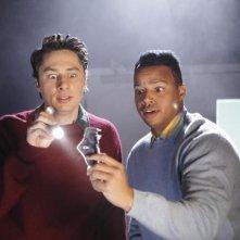 Scrubs: Zach Braff e Donald Faison nell'episodio Our Mysteries