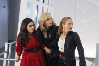 Ugly Betty: America Ferrera, Judith Light e Becki Newton nell'episodio Level (7) with Me