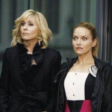 Ugly Betty: Judith Light e Becki Newton in una scena dell'episodio Level (7) with Me