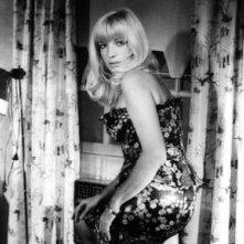 Una splendida Monica Vitti nel film L'altra metà del cielo (1977)