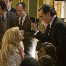 Daniel Day-Lewis e Kate Hudson insieme in una sequenza del film musicale Nine