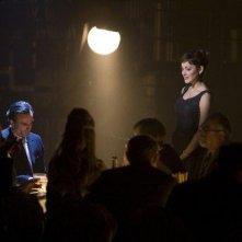 Daniel Day-Lewis e Marion Cotillard in una scena del film Nine