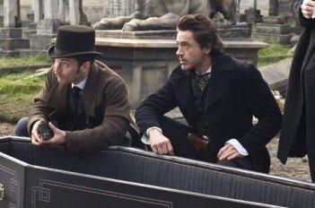 Jude Law e Robert Downey Jr., protagonisti di Sherlock Holmes