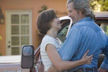 Maggie Gyllenhaal e Jeff Bridges nel film Crazy Heart