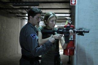 Dollhouse: Enver Gjokaj e Dichen Lachman nell'episodio Stop-Loss