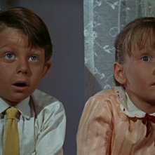 Matthew Garber e Karen Dotrice in una scena del film Mary Poppins ( 1964 )