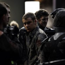Frankie (Michael Dorman) in una scena del film Daybreakers