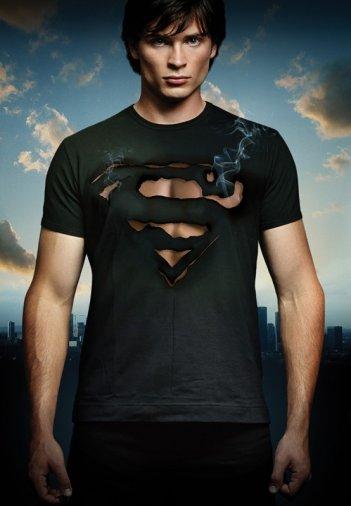 Tom Welling in un'immagine promozionale per la stagione 9 di Smallville