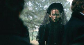Emily Blunt in un'immagine del film The Wolf Man