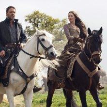 Russell Crowe e Cate Blanchett in una scena di Robin Hood (2010)