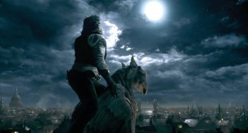 Un'immagine dell'uomo lupo nel film The Wolf Man
