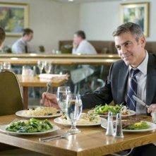 George Clooney in un'immagine dal film Tra le nuvole