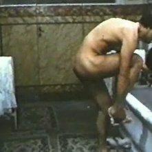 Agostina Belli in una scena calda del film Quando l'amore è sensualità