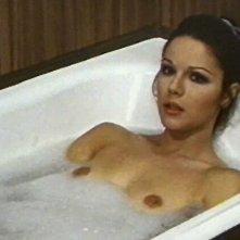 Agostina Belli nel film Quando l'amore è sensualità