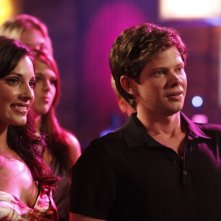 Millicent (Lisa Goldstein) e Marvin (Lee Norris) al Tric nell'episodio Now You Lift Your Eyes to the Sun