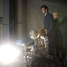 Doctor Who: David Tennant e Lindsay Duncan in un momento dello speciale The Waters of Mars