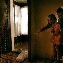 Una scena inquietante del film horror Rec 2