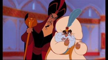 Il Gran visir Jafar e il Sultano in una scena del film d\'animazione Aladdin
