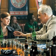 Amy Adams e John Lithgow in una scena del film Leap Year