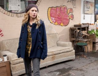 Life UneXpected: Brittany Robertson in una scena dell'episodio Home Inspected