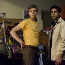 Michael Cera e Adhir Kalyan in una scena del film Youth in Revolt