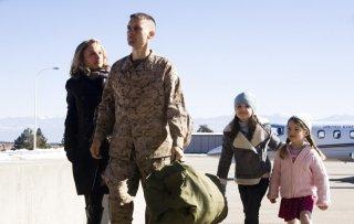 Tobey Maguire, Taylor Geare, Natalie Portman e Bailee Madison in una scena di Brothers