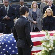 Milo Ventimiglia, Hayden Panettiere e Cristine Rose in una scena di Let It Bleed dalla quarta stagione di Heroes